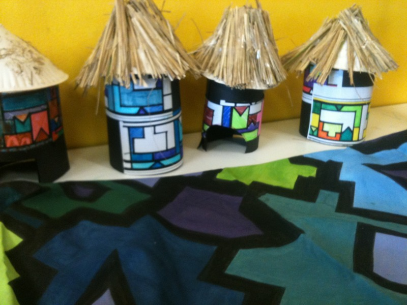Ndebele hut beaux design arts crafts for How to make african jewelry crafts